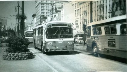 canal lakeshore bus